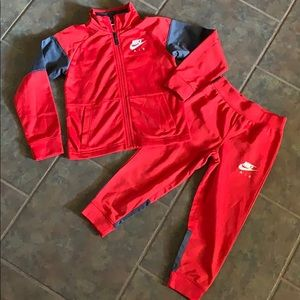Nike Air Outfit boys size 4